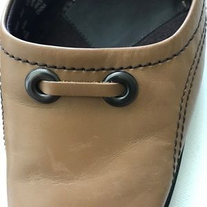 Apostrophe Shoes - Apostrophe Tan Leather Mules Band Accent Size 8M